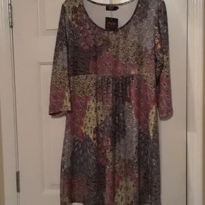 Nwt dress from R & B with great design